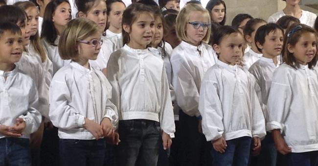 Els beneficis de la música en el desenvolupament infantil