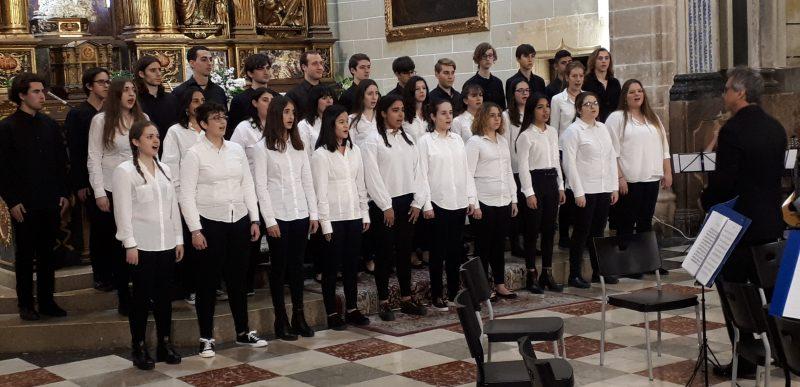 Concert de la Coral Juvenil i l'Orquestra UIB a Montision