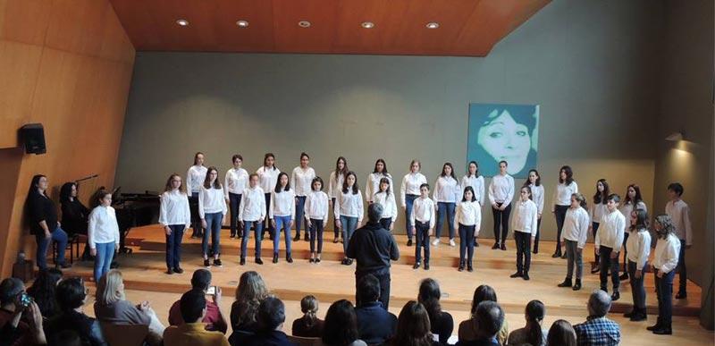 Intercanvi de la Coral Onzequinze de Joventuts Musicals de Palma amb la Coral Juvenil de l'Escola Municipal de Música Victòria dels Àngels de Sant Cugat del Vallès