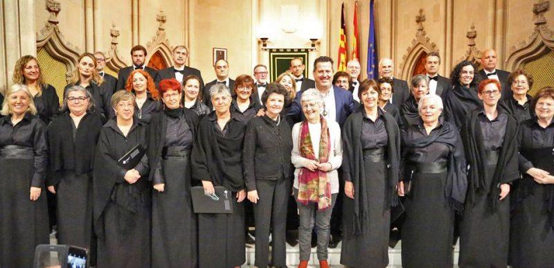 Orfeó UIB a acte lliurament Medalla d'Honor Catalina Cantarellas